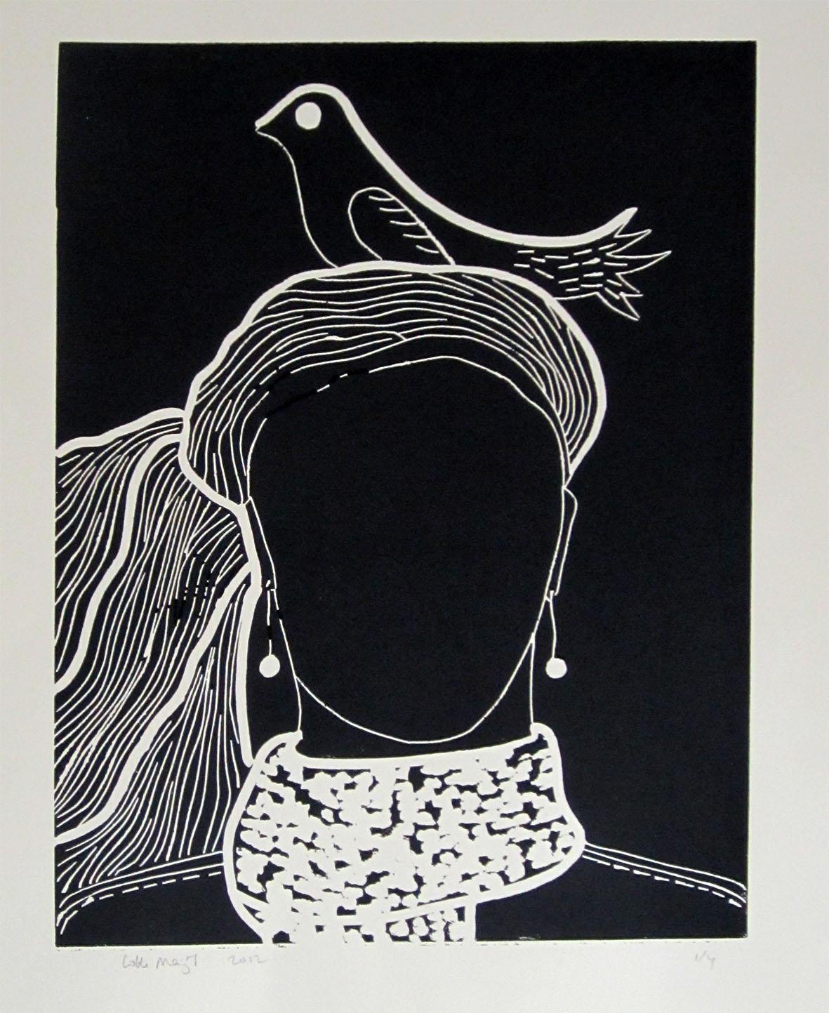 Vrouw met de vogel op het hoofd - Lotte Marijt